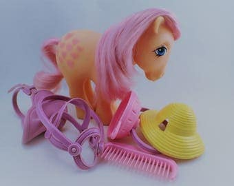 My Little Pony Mon Petit Poney MLP G1 Peachy Italy 82 with Accessories from Pretty Parlour