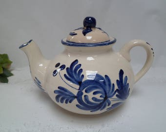 Teapot St Clément, France, ceramic, painted by hand