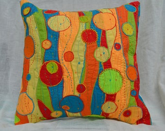 Bright circles cushion