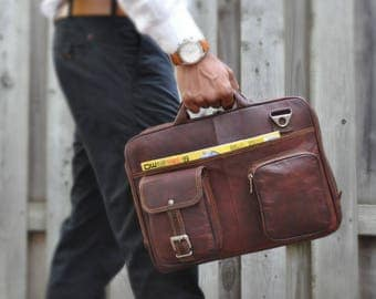 Zipper Briefcase: Minimalist design attaché