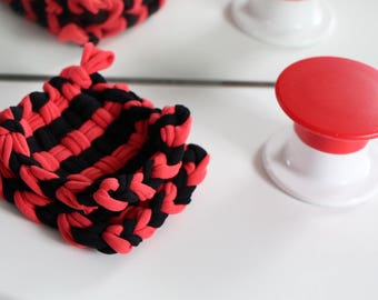 Two Tawashis 束子 (washable sponges) red and black