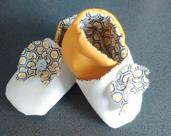 Soft leather slippers pattern flowers