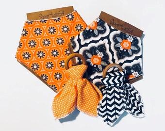 Baby bib and teether set, Baby gift set, baby shower gift, bandana bib set, bandana bib and teether, baby gift basket, baby shower, teether