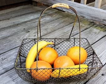 French Wire Basket with Wicker Handle Fruit Holder Sturdy Framed Carrier for Dinner Ware Vegetables Market Basket