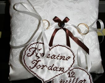 Brown lace ivory ring pillow
