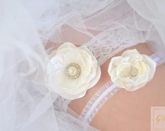 Wedding Garter for Bride Lace Garter Set Bridal Garter Set Vintage Wedding Ivory Garter Crystal Garter Rhinestone Garters Keepsake Garter