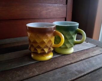Vintage Kimberly Pattern Fire King Anchor Hocking Mugs (2) / Vintage tasses Fire King Kimberly Pattern ou Diamant Pattern (2) vert brun