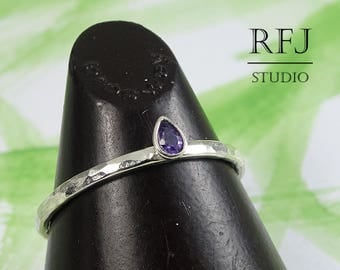 Lab Pear Cut Amethyst Hammered Silver Ring, Stackable February Birthstone Ring Teardrop Purple Cubic Zirconia 3x2 mm Thin 925 Silver Ring