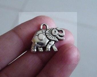 Lucky Charm, Elephant Charm, Animal Charm, Charm for Bracelet, Good Luck Charms, Antique Silver Tone Elephant Pendant