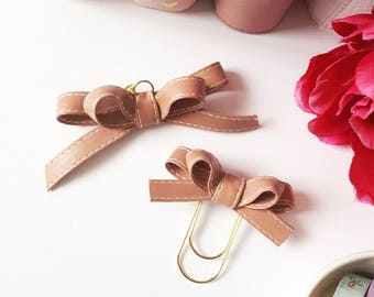 Olivia bow - Blush pink bow with white stitching