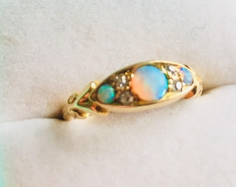 Vintage Gold and Opal Diamond ring