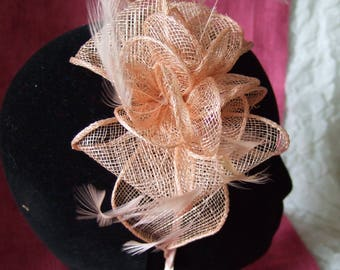 Peach Salmon looped sinamay feather Fascinator on a aliceband. Mother of the Bride and Groom, Peach Fascinator, Wedding Hat, Prom Fascinator