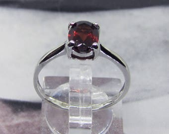 Ring Silver 925 with Garnet oval and faceted 2.2 carats