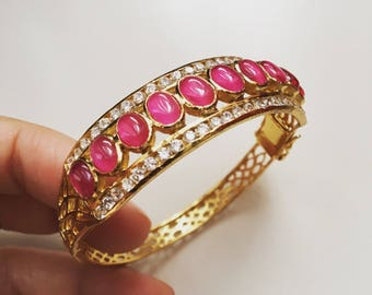 Vintage style Ruby gold plated bangle