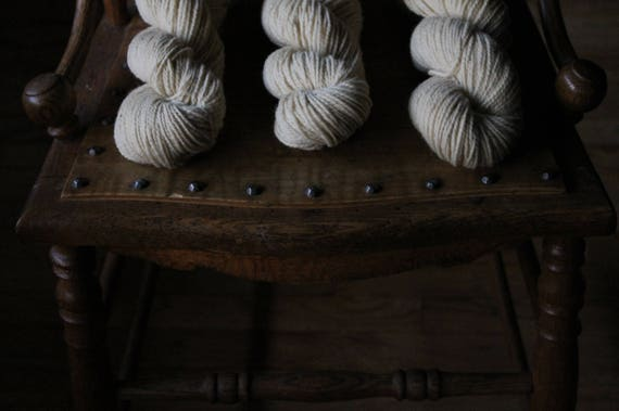 2 ply Natural White 100% non super wash - DK to Light Worsted - 200 yards 100 grams