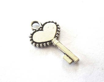 Silver Tone Metal Heart Key Charms - Pack of Ten - H653