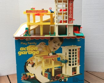 Vintage Fisher Price Parking Ramp Garage {Play Family Action Garage} COMPLETE with BOX! Little People Toy Car Elevator Grease Rack 60s