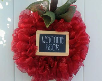 Apple Wreath, Back to School Wreath, Welcome Back Wreath, Chalkboard Sign. Deco Mesh Apple Wreath, Fall Wreath, Perfect for Teachers