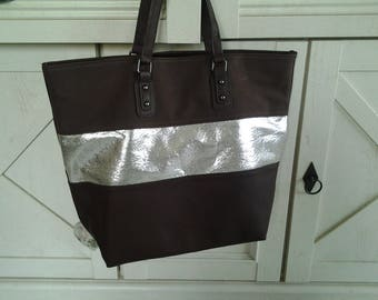 Tote has paillete in Brown faux leather band