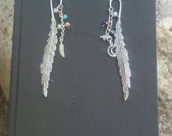 Metal Feather Bookmark/Six of Crows/Moon Charm/Feather Charm/Keychain Accessory