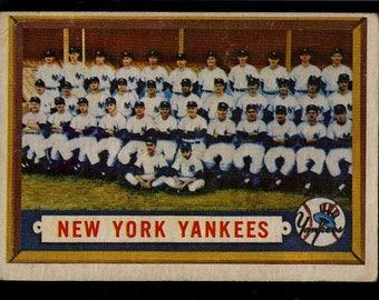 Vintage 1957 Topps NEW YORK YANKEES Team Card #97 Vg