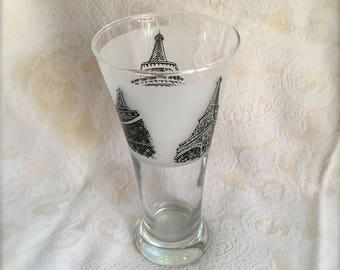 Paris Las Vegas 16 oz Pilsner Glass