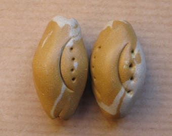 2 beads 30 x 18 mm clay ethnic