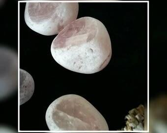 Rose quartz - healing stone .