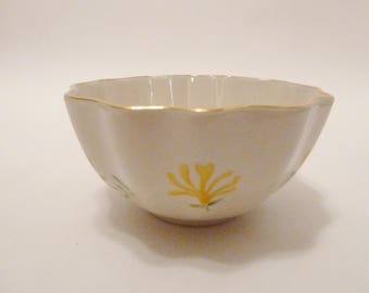Lenox candy dish with gold rim/Honeysuckle flower design/Yellow Flower/Lenox gold rim gilt scalloped edge/Nut dish/EUC/Almond Porcelain