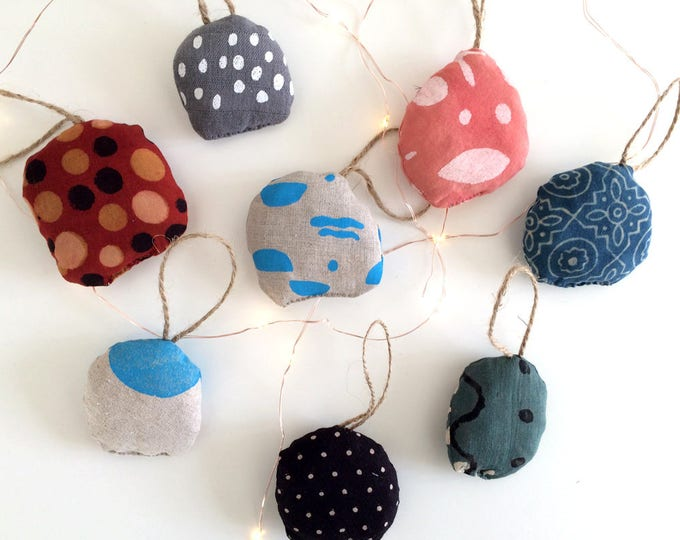 Oh Christmas Tree! // Recycled Ornaments for the Christmas Tree