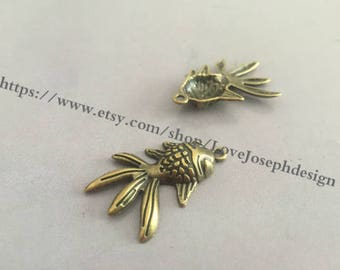 10 Pieces /Lot Antique Bronze Plated 22mmx30mm Gold fish charms(#0227)