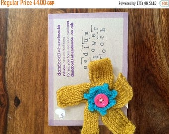 SALE Handmade Knitted Flower Brooch