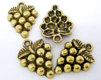 10 pc Antique Gold Grape Bunch Charms approx 19x14mm