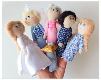"""Cinderella - beaurtiful finger puppets / """"Cinderella"""" - in fabric and knitted finger puppets"""