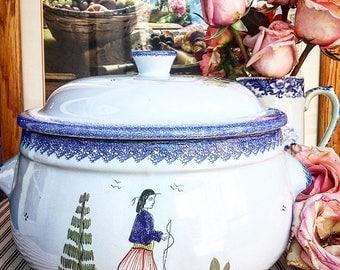 Vintage French Quimper ~ Signed Henriot Quimper Casserole ~ French Vintage Home ~ French Vintage Kitchen