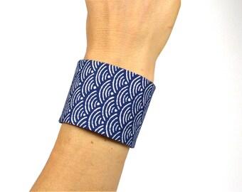 Japanese Fabric, Cuff Bracelet, Obi Style, Taylor-Made, Waves, WHite Blue - Oriental / asian