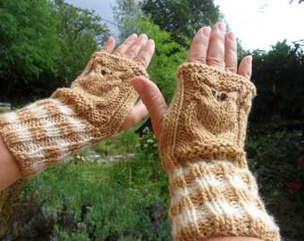 fingerless gloves knit wrists bi - colored, caramel color