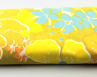 Vintage Easy Care by Pequot Double-Size Fitted Stylized Green/Yellow/Blue/White/Orange Floral Print Sheet