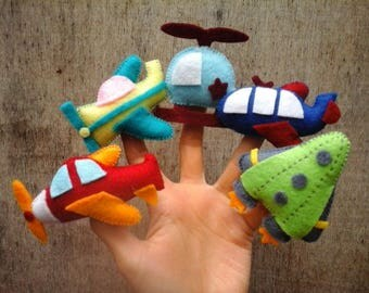 Airplane finger puppets