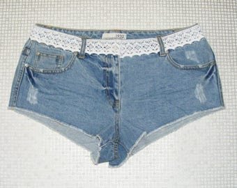 Size 10 vintage 70s customised festival hotpant shorts crochet lace trim (HZ33)