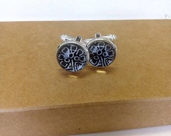 """Even"" cuff links"