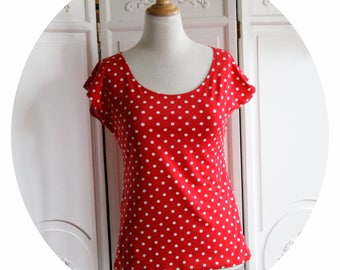 Top P' little basic red white polka dots, red shirt has white polka dots, cotton jersey short sleeve top, red shirt has white polka dots, red top
