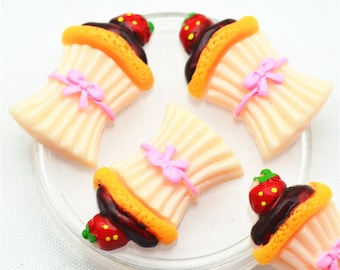 10PCS 18mmX29mm Resin Flatback Strawberry Tower Cake,Fake Party cake embellishments,Flatback Miniatures