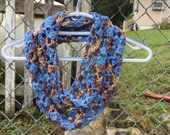 Infinity scarf in cotton/acrylic yarn