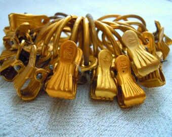 Clips for curtains. Curtain clips. Vintage metal ussr soviet clamp with ring gold color. Set of 21 pieces.