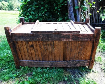 Vintage Antique Old big Chest Trunk Box Shabby Chic retro cottage chic brown original farmhouse