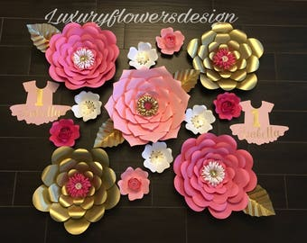 Set of 13 Paper Flowers*