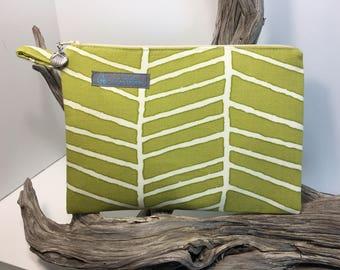 Green Leaf Zipper Pouch