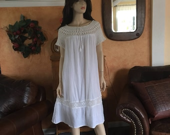 1960s Mexican Cotton Gauze Hand Crochet Babydoll Dress ~Vintage Ethnic Mexico Hippie Boho~Bohemian ~ Old Mexico Beach Clothing~Festival~