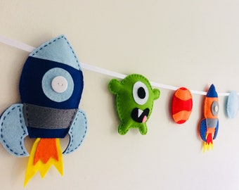 Space rocket bunting